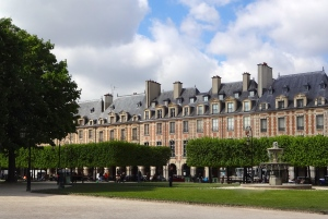 Houses on Place des Vosges