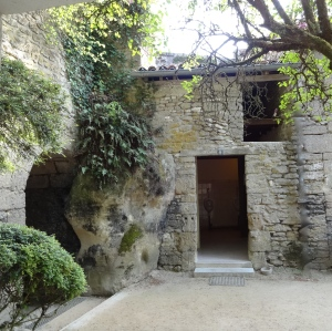 Front of modern troglodyte home